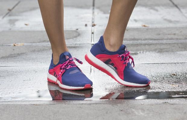 on sale a5fcc daf98 adidas dévoile une nouvelle chaussure de running pour les femmes et pensée  par des femmes. La PureBOOST X ...